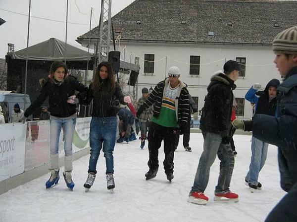 2010. dec. 11.